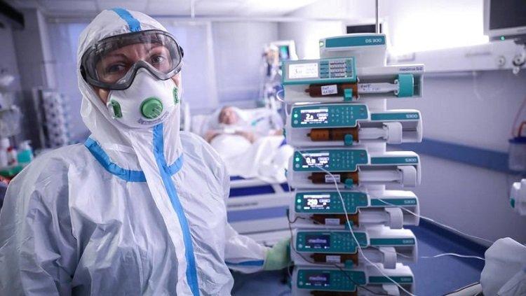 MZ: 105 nowych zakażeń koronawirusem, zmarło 12 osób z COVID-19
