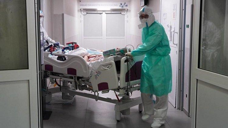 MZ: 2296 nowych zakażeń koronawirusem; zmarło 28 chorych